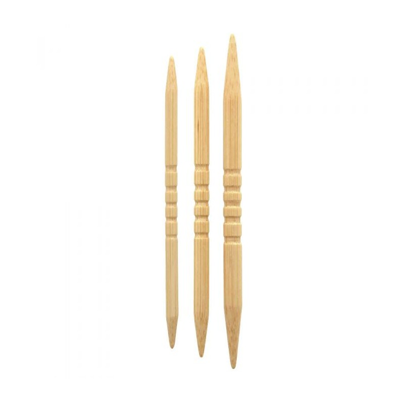 Si te gustan los ochos necesitas las agujas auxiliares Shirotake de Seeknit. Con un diseño elegante y las ranuras para que no s